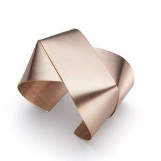 Bangle, red gold from Annette Ehinger at Gallery Friends of Carlotta, contemporary jewelry Zurich, www.foc.ch
