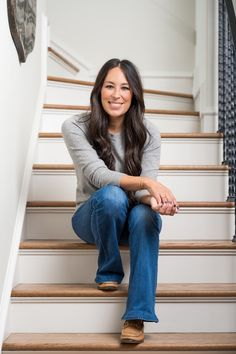 Joanna Gaines Opens the Door to Her Dreamy Family Farmhouse | Architectural Digest Joanna Gaines Design, Joanna Gaines House, Joanna Gaines Farmhouse, Magnolia Joanna Gaines, Joanna Gaines Style, Chip And Joanna Gaines, Joanna Gaines Family, Gaines Fixer Upper, Fixer Upper Joanna