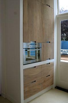 Whitewash keuken Koak Design Ikea kasten met eiken houten fronten en ingefreesde handgrepen05