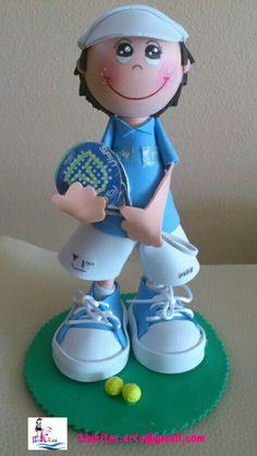 Todo lo que necesitas para scrapbooking y manualidades está en mitiendadearte.com Fofucho personalizado profesor de padel hecho para Juande/Fofucho doll padel trainer specially made for Juande