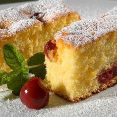 Kefires-meggyes kevert süti Recept képpel - Mindmegette.hu - Receptek Hungarian Desserts, Hungarian Cake, Hungarian Recipes, Sweet Cookies, Cake Cookies, Croatian Recipes, Cake Recipes, Food And Drink, Cooking Recipes