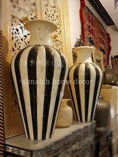 Traditional Vases, Home Decor, Decoration Home, Room Decor, Home Interior Design, Home Decoration, Interior Design