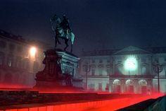 A Torino torna l'affascinante appuntamento con Luci d'artista, che inaugura il 1° novembre 2013 alle 18, in piazza Bodoni e termina il 12 gennaio 2014... http://www.tripartadvisor.it/luci-d-artista-torino-2013/