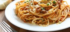 Spaghetti Bolognese :: Diamond Meals Chicken Marinara, Carb Day, Spaghetti Bolognese, Carb Cycling, Boost Metabolism, Dr Oz, Food Videos, Low Carb, Yummy Food