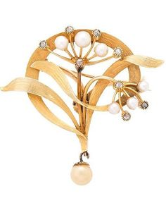 AN ART NOUVEAU FLOWER BROOCH/PENDANT, CIRCA 1900, composed of 14k gold, rose-cut diamonds and cultured pearls.