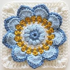 Transcendent Crochet a Solid Granny Square Ideas. Inconceivable Crochet a Solid Granny Square Ideas. Granny Square Crochet Pattern, Crochet Blocks, Crochet Flower Patterns, Crochet Squares, Crochet Blanket Patterns, Crochet Granny, Crochet Motif, Easy Crochet, Crochet Flowers