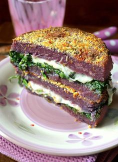 Medaglioni di patate e carote viola con provola e spinaci Gnocchi, Finger Foods, Healthy Recipes, Savoury Recipes, Healthy Foods, Buffet, Sandwiches, Vegetables, Polenta