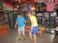 Sirtaki dansen bij app Helena met Christos