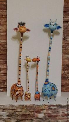 how to make a big paper mache bird - For the kids next month. Paper Mache Projects, Paper Mache Clay, Paper Mache Sculpture, Paper Mache Crafts, Clay Projects, Clay Crafts, Clay Art, Arts And Crafts, Paper Mache Animals