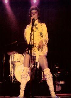 vezzipuss.tumblr.com — David Bowie, Circa 73 ⚡️⚡️