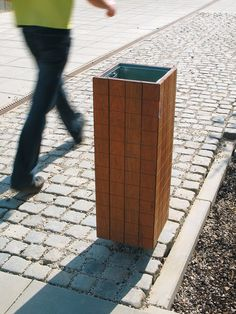 Exterior bins | Street furniture | nanuk | mmcité | David. Check it out on Architonic