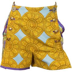 Pre-owned 1992 Gianni Versace shorts ($1,400) ❤ liked on Polyvore featuring shorts, hot pants, versace, print shorts, mini shorts and versace shorts