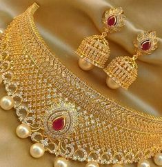 Necklace set www.somethingistrending #indian #jewellery #diamond #beautifull #necklace #earring #female #fashion #wedding #festival #attractive #famous #awesome #somethingistrending