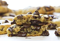 Homemade Chocolate Chip Cookies Recipe: The BEST Chocolate Chip Cookie recipe! You will never be disappointed by the flavor or texture of this world-renowned recipe. A family favorite! Best Chocolate Chip Cookie Recipe Ever, Best Chocolate Chip Cookies Recipe, Homemade Chocolate Chip Cookies, Best Cookie Recipes, Food Cakes, I Am Baker, Cooking Chocolate, Buttery Cookies, Snacks