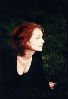 Isabelle Huppert, Character Reference, Birds, Actresses, Poses, Inspiration, Beautiful, Spain, Beautiful Women