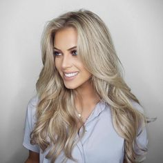 "Chloé Boucher - ""NEW YOUTUBE VIDEO! Big, Voluminous, Hollywood Hair & How To Use The InStyler! The link to the video is in my bio  I'm wearing my @FoxyLocks Deluxe Seamless 20"" extensions in ""Latte Blonde"". Use code 'FoxyChloeB' at checkout for a free gift with your purchase  #hair #FoxyLocks #ad #youtube """
