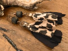 Jungle Fever -  artisan copper lampwork black jungle print sari silk boho long earrings. Copper Rings, Copper Wire, Jungle Print, Sari Silk, My Signature, How To Make Earrings, Fabric Swatches, Statement Earrings, Wearable Art