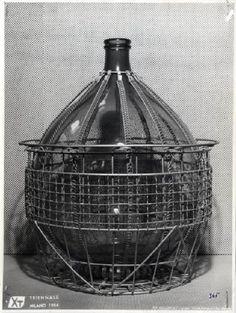 X Triennale - Mostra dell'industial design - Damigiana ricoperta da intelaiatura di alluminio
