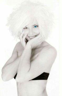 Mylène Farmer Winona Ryder, Female Singers, Madonna, Photos, Pictures, Movie Stars, Farmer, Photo Art, Portrait