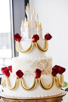 Ooooh - another gorgeous Beauty and the Beast Disney wedding cake! Disney Fairy Tale Weddings and Honeymoon Pretty Cakes, Beautiful Cakes, Amazing Cakes, Beauty And The Beast Theme, Beauty And The Beast Wedding Cake, Dream Wedding, Wedding Day, Wedding Disney, Disney Weddings