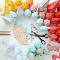 pliage origami en papier coloré