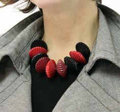 BABELFISH gioielli di carta rosso nero collana di BabelfishJewelry
