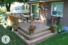 Idea for back patio another simple idea - Modern Design Small Garden Pergola, Small Backyard Decks, Decks And Porches, Pergola Patio, Pergola Kits, Pergola Ideas, Landscaping Around Deck, Backyard Landscaping, Outdoor Rooms