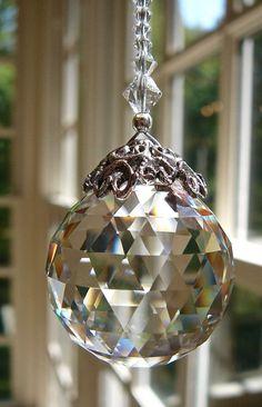 Crystal Ball Suncatcher Swarovski by HeartstringsByMorgan: Crystals And Gemstones, Swarovski Crystals, Diy Natal, Perfumes Vintage, Christmas Crafts, Christmas Bulbs, Hanging Crystals, Sun Catcher, Crystal Ball