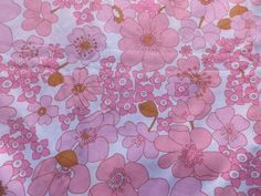 Vintage 1970's Cotton Dress or Interiors Fabric Peach & Pink Daisies in Collectables, Sewing/ Fabric/ Textiles, Fabric/ Textiles | eBay
