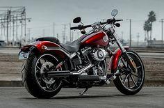 Image from http://www.presse-citron.net/wordpress_prod/wp-content/uploads/Harley-Davidson-Breakout-2013.jpg.