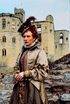 Cate Blanchett stars in the title role in Elizabeth (1998).