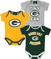 Green Bay Packers Newborn Tiny Fan 3 Piece Creeper Set. OMG Need this for baby since dadday is a Packers Fan!!