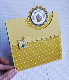 Escape2stamp: Stampin' Up! fun fold class. 4 1/4-11 paper. Score 4 1/4 -8 5/8. 2 1/2 circle punch on 8 5/8 score.