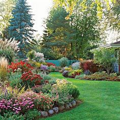34 Favourite Front Yard And Backyard Landscaping Ideas on A Budget - Home-Garden-Design-Decoration Small Front Yard Landscaping, Landscaping With Rocks, Garden Landscaping, Landscaping Ideas, Inexpensive Landscaping, Mailbox Landscaping, Beautiful Flowers Garden, Beautiful Gardens, Beautiful Beds