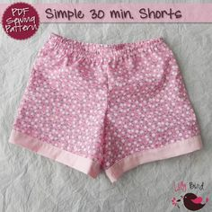 Simple 30 minutes Shorts for boy/girl- perfect project for beginners - 0 months to 8 years - PDF Pattern and Tutorial - easy sew on Etsy, Sewing Kids Clothes, Baby Clothes Patterns, Sewing For Kids, Baby Sewing, Clothing Patterns, Diy Clothes, Short Patron Couture, Pdf Sewing Patterns, Sewing Tutorials