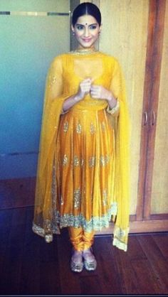 Sonam kapoor in gorgeous yellow Ritu Kumar Indian Dresses, Indian Outfits, Indian Clothes, Anarkali Dress, Anarkali Suits, Indian Attire, Indian Wear, Function Dresses, Churidar Designs