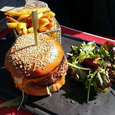 Burger à l'Auberge de la Côte 2000 #Megeve #Burger #Cote2000