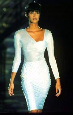 Yasmeen Ghauri: Versace,  1995