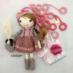Michelle how cute is this! Crochet Wool, Crochet Chart, Love Crochet, Beautiful Crochet, Crochet Baby, Crochet Patterns, Crochet Decoration, Knitted Dolls, Amigurumi Doll