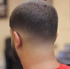 The top short hairstyles for men for the year 2018 are eye-catching and somewhat sophisticated. Today the short mens hairstyles have become particularly. Textured Haircut, Tapered Haircut, Fade Haircut, Haircut Style, Cool Boys Haircuts, Haircuts For Men, Hair And Beard Styles, Short Hair Styles, Hair Cutting Techniques