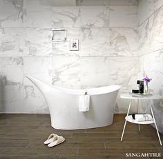 Tile - Sangahtile's - CARACATTA 60x60 우와한 자태를 뽐내는 듯한 욕조와 일률적이지 않은 패턴이 돋보이는 공간.   #tile #sangahtile #bathroom #CHANEL #flower #design #marble #상아타일 #마블타일 #샤넬 #꽃 #디스펜서 #디퓨저 #욕실 #인테리어