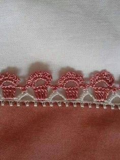 How to Crochet a Solid Granny Square Crochet Boarders, Crochet Edging Patterns, Crochet Lace Edging, Crochet Fabric, Crochet Trim, Love Crochet, Filet Crochet, Diy Crochet, Crochet Designs