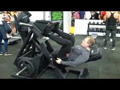 Michael Gundill teste une presse à cuisses, Primal Strength - YouTube Weight Training, Gym Equipment, Strength, Design, Wooden Truck, At Home Gym, Gadgets, Printing Press, Exercises