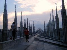 walking on the roof of the Duomo di Milano