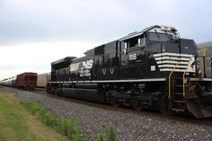 norfolk southern 1118 by Michael Brown  on 500px
