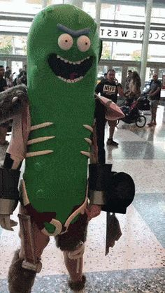 [Cosplay] IT'S PICKLE RICK! http://ift.tt/2gxmXsz