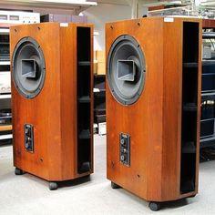 UTOPIA Family King + ALTEC 604-8KS Open Baffle Speakers, Horn Speakers, Diy Speakers, Stereo Speakers, Trading Desk, Speaker Box Design, Altec Lansing, Audio Design, Cool Technology