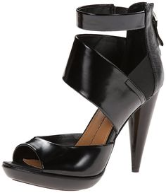DV by Dolce Vita Women's Sayde Dress Sandal ** Discover this special product, click the image : Closed toe sandals Heeled Mules, Heeled Sandals, Closed Toe Sandals, 4 Inch Heels, Look Chic, Dress Sandals, Black 7, Black Sandals, Open Toe