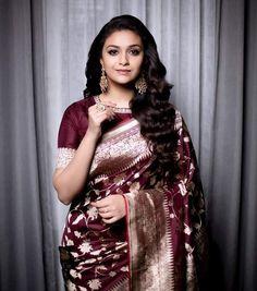 Keerthy Suresh's Traditional Sarees Fashion Are Must-Haves For Every Saree Lover Banaras Sarees, Kanchipuram Saree, Silk Sarees, Organza Saree, Ikkat Saree, Chiffon Saree, Cotton Saree, Mode Bollywood, Bollywood Girls
