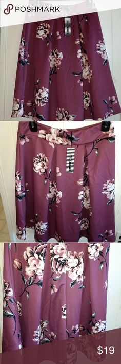 "Haute Monde floral print skirt Size medium - waist measures 29"", this material stretches, length meadures 25"", mauve pink never worn! Haute Monde Skirts"